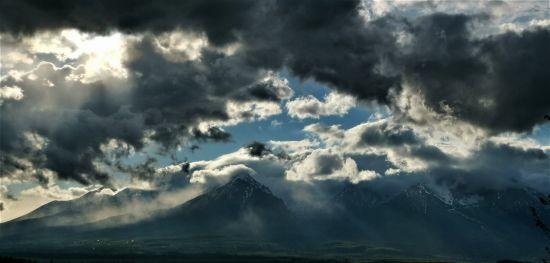 mraky-nad-tatrami.jpg