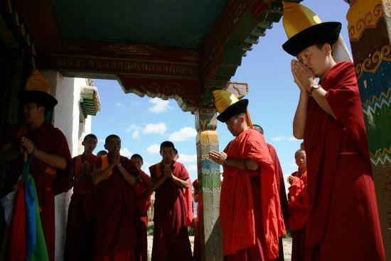 mongolski-mnisi.jpg